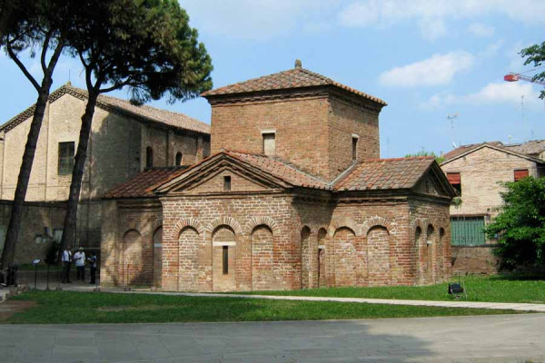 ravenna_mausoleum_galla_placidia