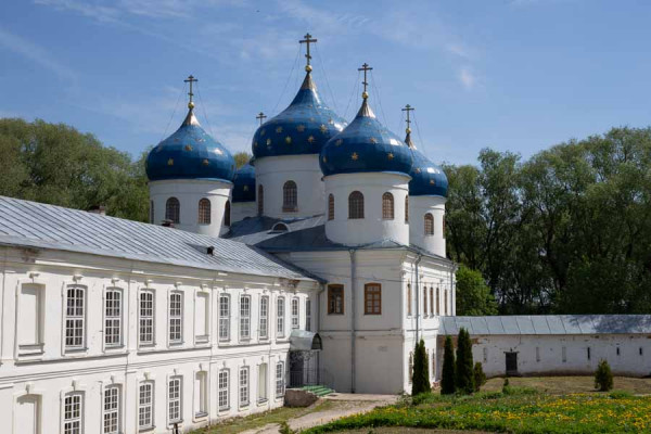 yuriev_monastery_holy_cross_cathedral
