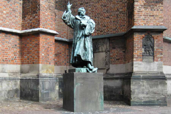 hanover_monument_to_martin_luther