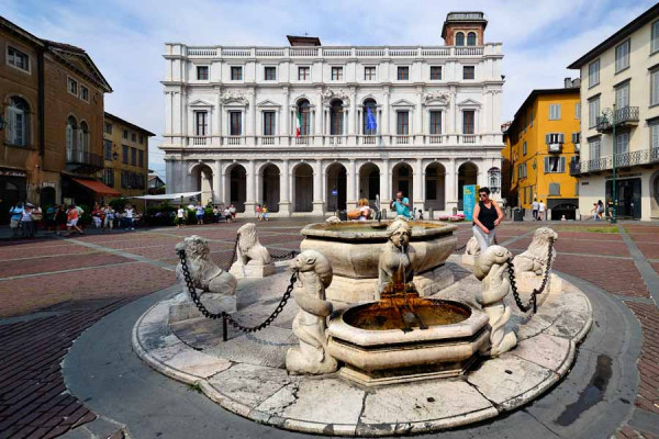 bergamo_fountain_contarini
