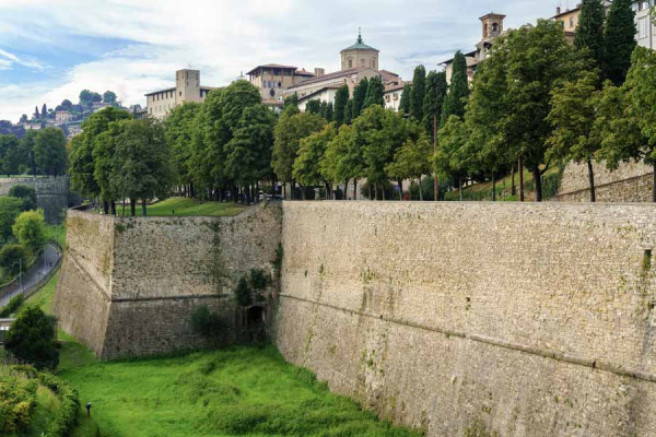 bergamo_fortress_wall